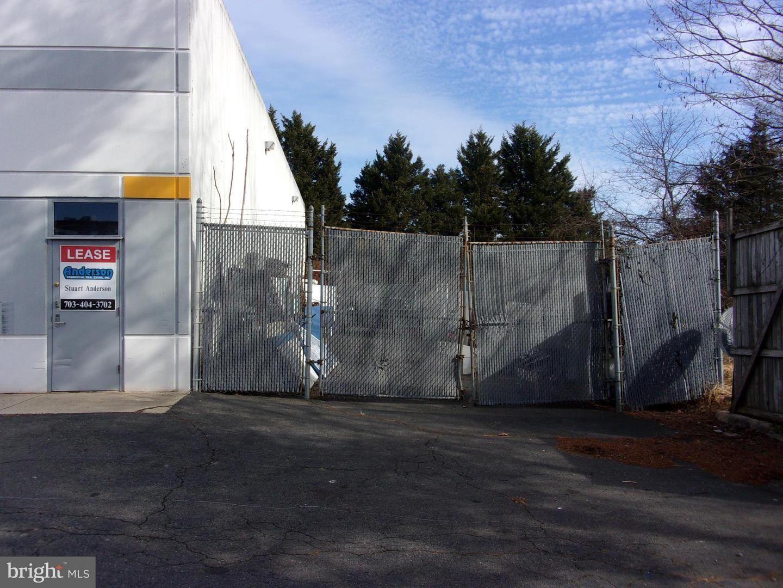 Photo of 8197 EUCLID CT, MANASSAS PARK, VA 20111 (MLS # VAMP2000104)