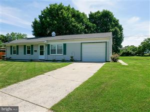 Photo of 306 LOGANBERRY CT, FREDERICK, MD 21701 (MLS # MDFR248106)