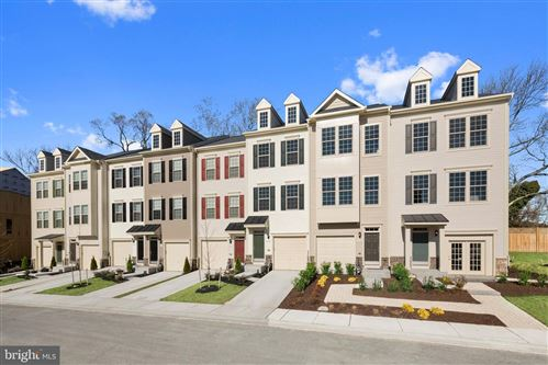 Photo of 325 SPRING BANK WAY, FREDERICK, MD 21701 (MLS # MDFR268108)