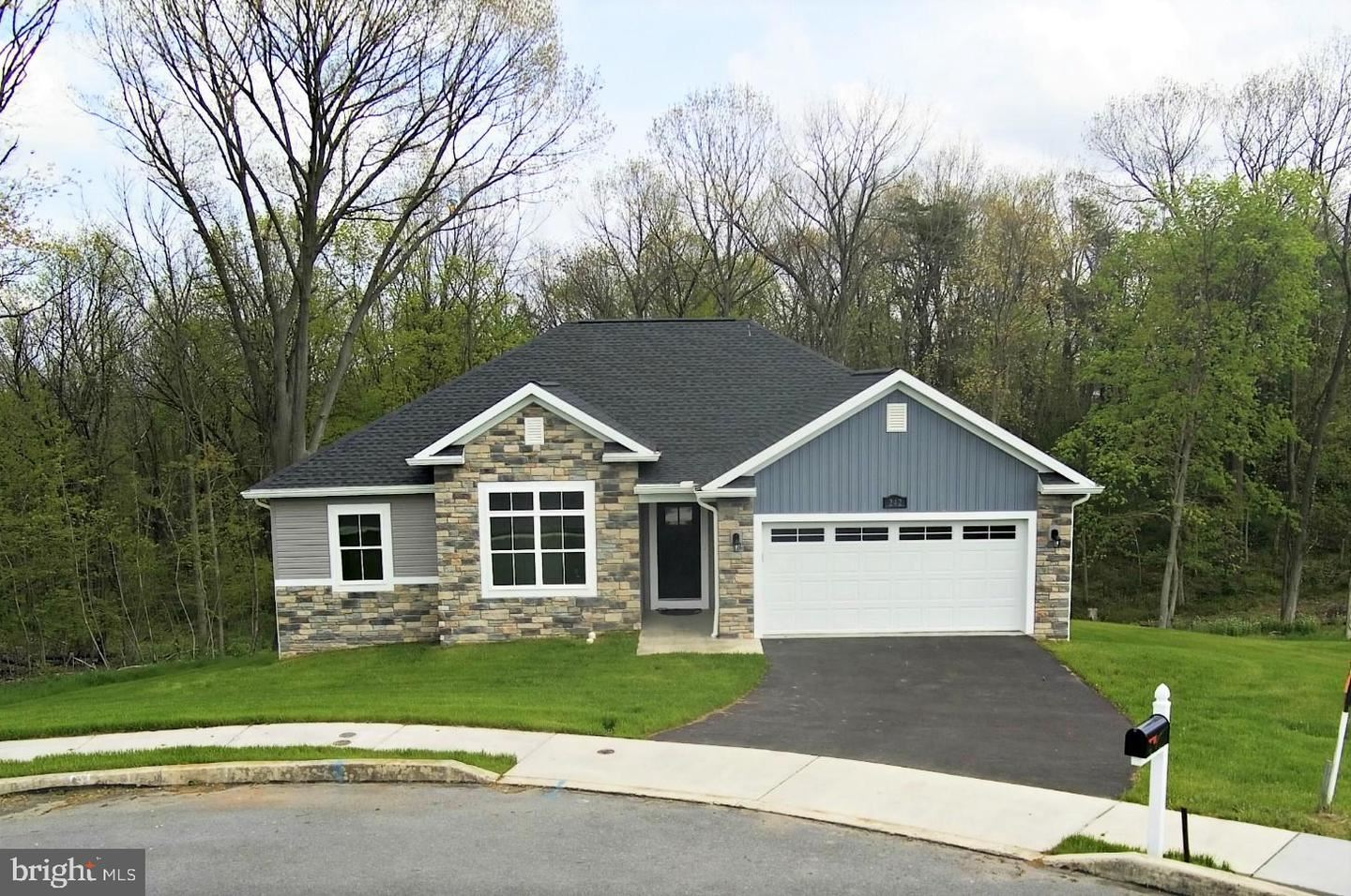 242 RONALD DR, Greencastle, PA 17225 - #: PAFL169112
