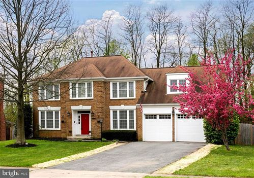 Photo of 14344 HOLLYHOCK WAY, BURTONSVILLE, MD 20866 (MLS # MDMC653116)