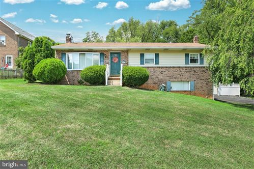 Photo of 91 WEAVER LN, RED LION, PA 17356 (MLS # PAYK2003118)