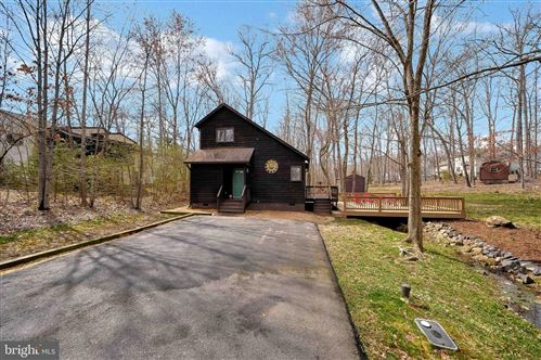 Photo of 104 ANTIETAM DR, LOCUST GROVE, VA 22508 (MLS # VAOR136118)