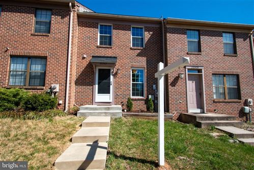 Photo of 20507 SUMMERSONG LN, GERMANTOWN, MD 20874 (MLS # MDMC700122)