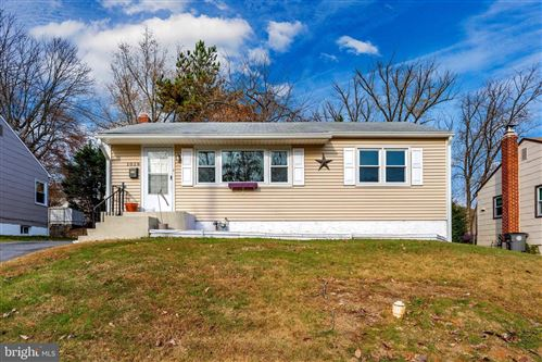 Photo of 1028 VEIRS MILL RD, ROCKVILLE, MD 20851 (MLS # MDMC687124)