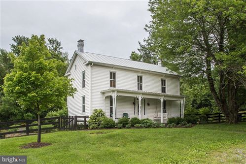 Photo of 11312 RUSSELL RD, PURCELLVILLE, VA 20132 (MLS # VALO433126)