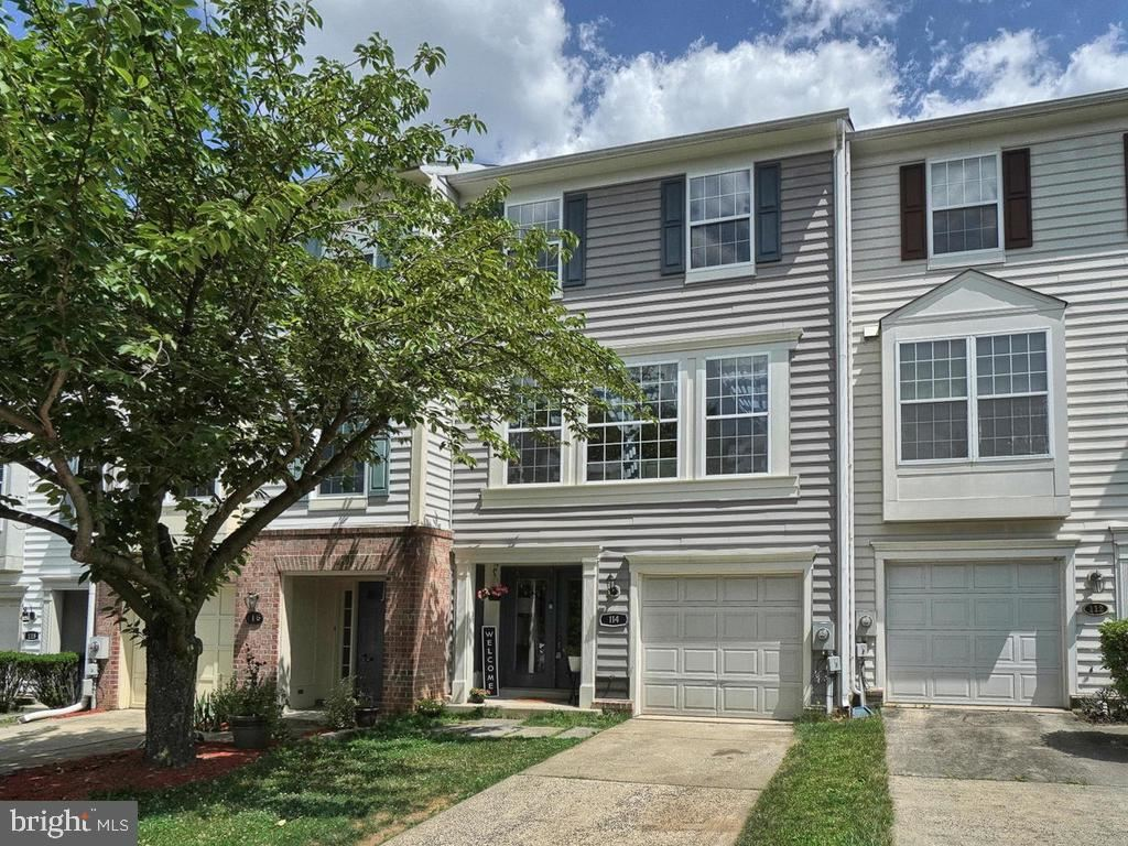 Photo of 114 WATERLAND WAY, FREDERICK, MD 21702 (MLS # MDFR267134)