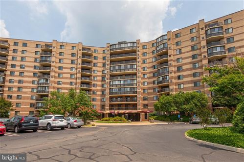 Photo of 8370 GREENSBORO DR #506, MCLEAN, VA 22102 (MLS # VAFX1099136)