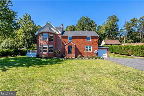 Photo of 4104 ACCOTINK PKWY, ANNANDALE, VA 22003 (MLS # VAFX1154136)