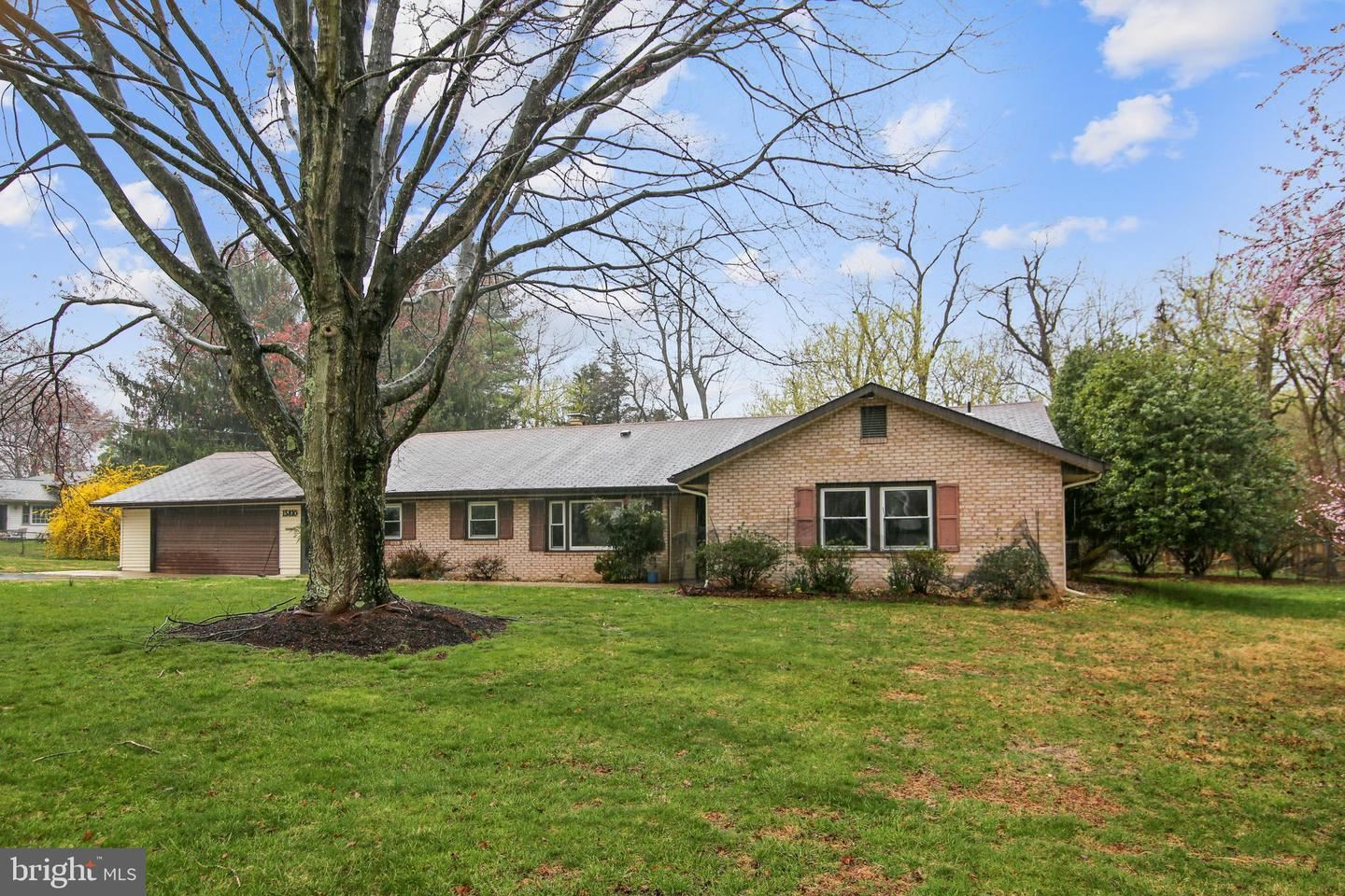 Photo of 15810 NORMAN DR, NORTH POTOMAC, MD 20878 (MLS # MDMC751136)