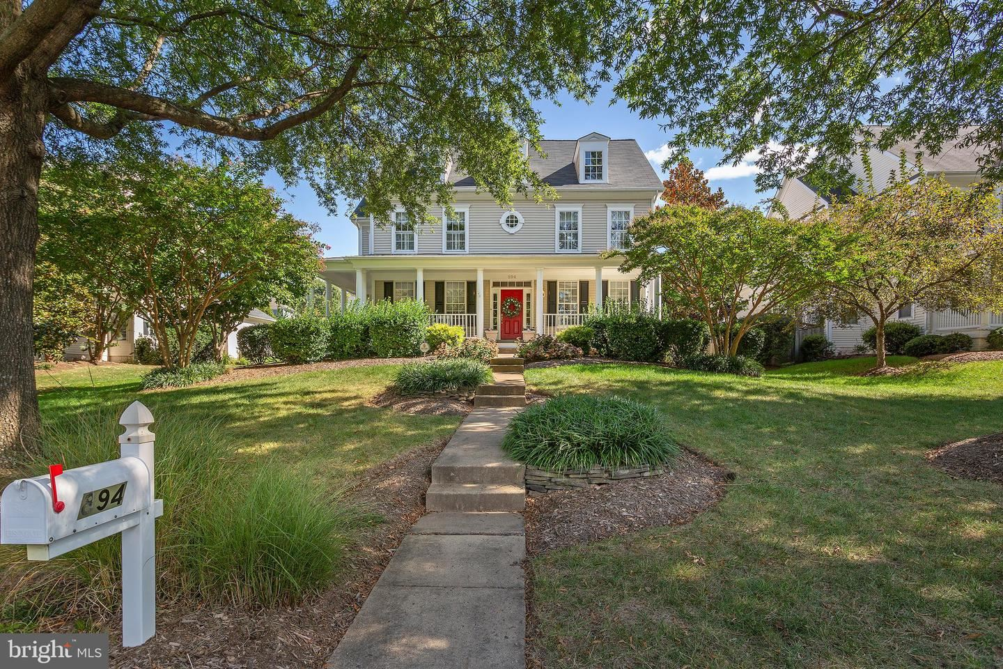 Photo of 894 STATION ST, HERNDON, VA 20170 (MLS # VAFX1161138)