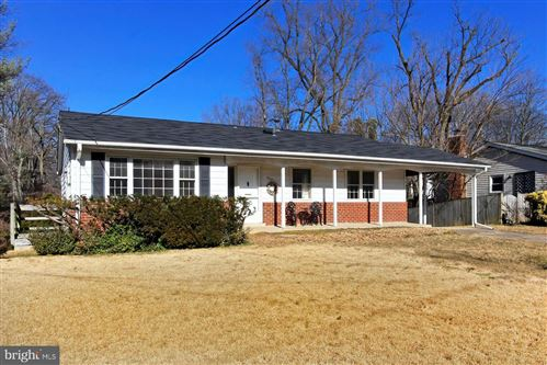Photo of 3929 LINCOLNSHIRE ST, ANNANDALE, VA 22003 (MLS # VAFX1182140)