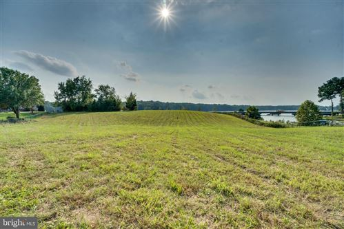 Photo of 6111 LAKE FRONT WAY, SPOTSYLVANIA, VA 22551 (MLS # VASP222140)
