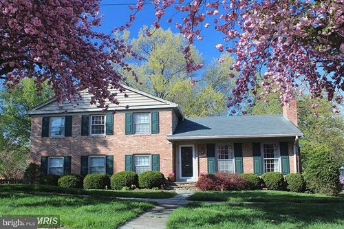 Photo of 6941 OLD STAGE RD, NORTH BETHESDA, MD 20852 (MLS # MDMC705144)