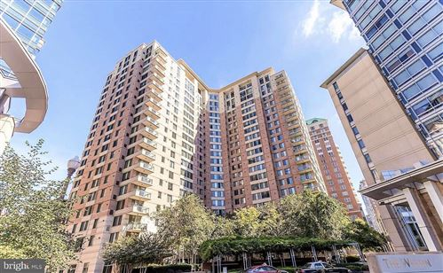 Photo of 851 N GLEBE RD #416, ARLINGTON, VA 22203 (MLS # VAAR158144)