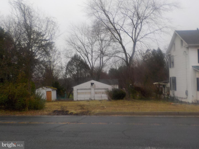 Photo of 22130 DICKERSON RD, DICKERSON, MD 20842 (MLS # MDMC738146)