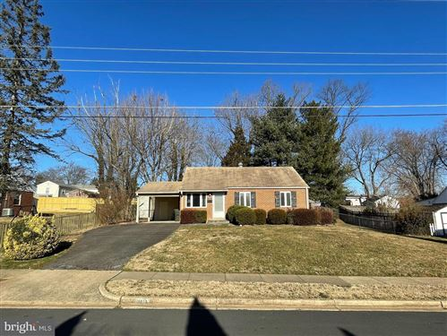 Photo of 1813 OLMSTEAD DR, FALLS CHURCH, VA 22043 (MLS # VAFX2000150)