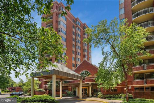 Photo of 5800 NICHOLSON LN #1-808, ROCKVILLE, MD 20852 (MLS # MDMC713154)