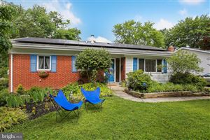 Photo of 725 HARRINGTON RD, ROCKVILLE, MD 20852 (MLS # MDMC665158)