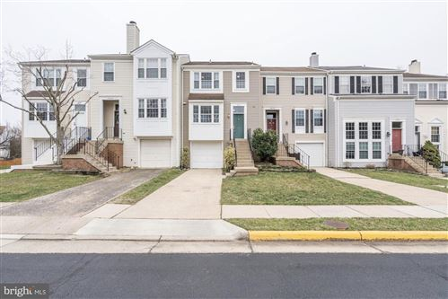 Photo of 3631 SWEETHORN CT, FAIRFAX, VA 22033 (MLS # VAFX1125158)