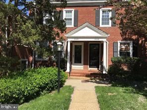 Photo of 3227 S UTAH ST, ARLINGTON, VA 22206 (MLS # VAAR172160)