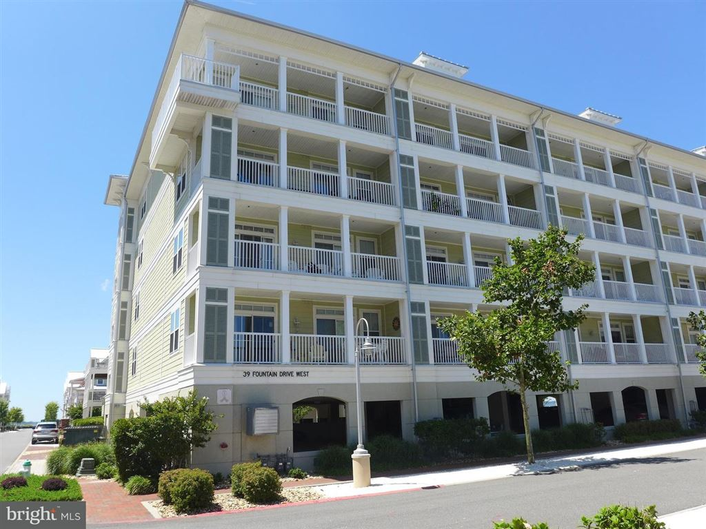 Photo for 39 FOUNTAIN DR W #4E, OCEAN CITY, MD 21842 (MLS # 1002628162)