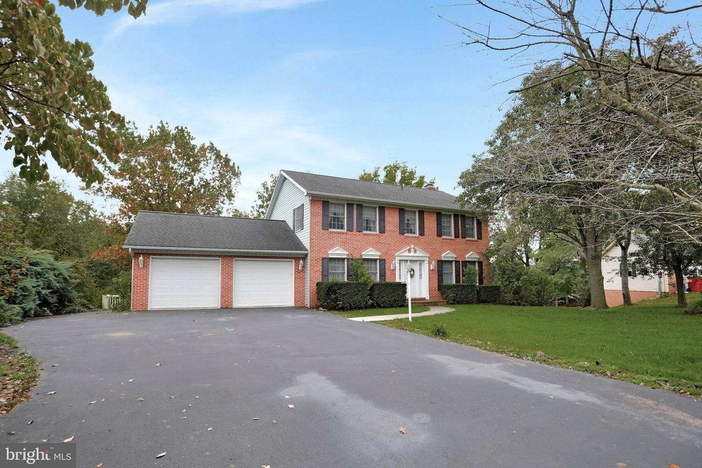 Photo of 11615 MEADOWLARK AVE, HAGERSTOWN, MD 21742 (MLS # MDWA2000165)