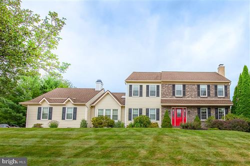 Photo of 18 TWIN PINES RD, DOWNINGTOWN, PA 19335 (MLS # PACT512166)
