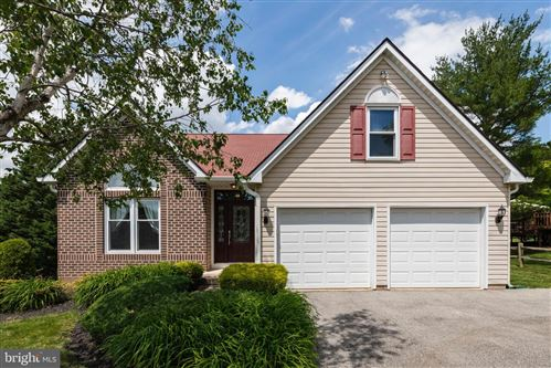 Photo of 225 CARDINAL DR, CONSHOHOCKEN, PA 19428 (MLS # PAMC653166)