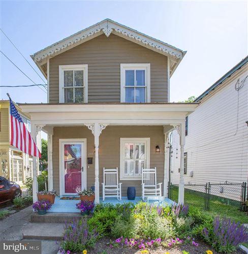 Photo of 211 PRINCESS ANNE ST, FREDERICKSBURG, VA 22401 (MLS # VAFB119166)