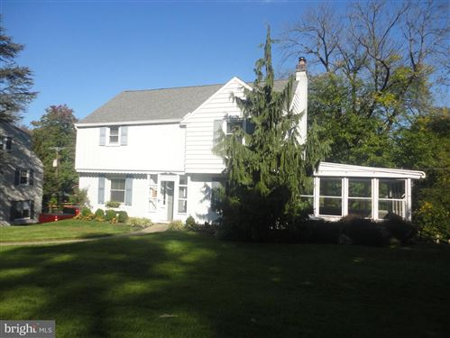 Photo of 537 W ROLLING RD, SPRINGFIELD, PA 19064 (MLS # PADE529170)
