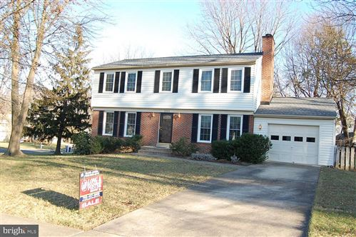 Photo of 1110 TRAPPER CREST CT, HERNDON, VA 20170 (MLS # VAFX1100170)