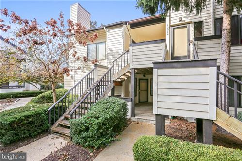 Photo of 10038 HELLINGLY PL #279, GAITHERSBURG, MD 20886 (MLS # MDMC687172)
