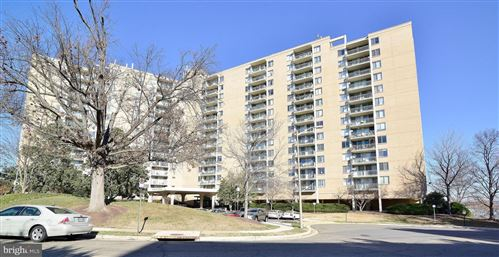 Photo of 501 SLATERS LN #906, ALEXANDRIA, VA 22314 (MLS # VAAX255172)