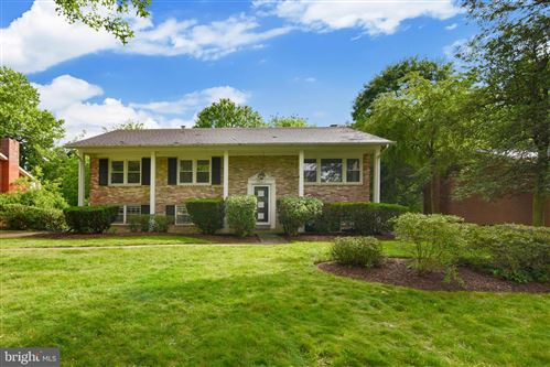 Photo of 11807 MILBERN DR, ROCKVILLE, MD 20854 (MLS # MDMC713174)
