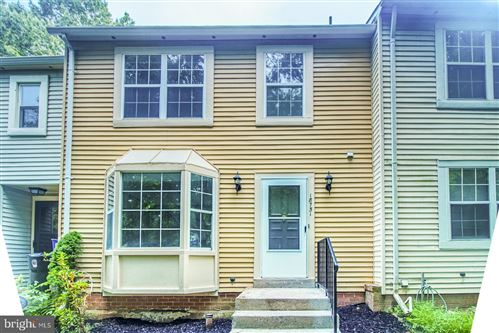 Photo of 18751 SUMMER OAK CT, GERMANTOWN, MD 20874 (MLS # MDMC719182)