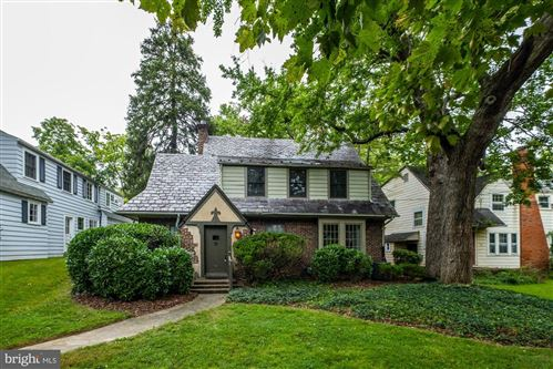 Photo of 113 OXFORD ST, CHEVY CHASE, MD 20815 (MLS # MDMC725182)