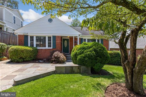 Photo of 5005 WESTPORT RD, CHEVY CHASE, MD 20815 (MLS # MDMC750182)