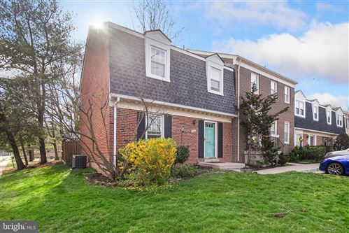 Photo of 2368 WHEYSTONE CT, VIENNA, VA 22182 (MLS # VAFX1120182)