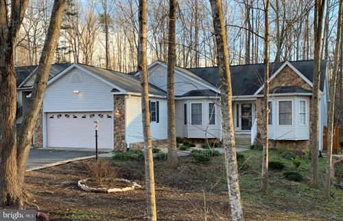 Photo of 910 CONFEDERATE DR, LOCUST GROVE, VA 22508 (MLS # VAOR138182)