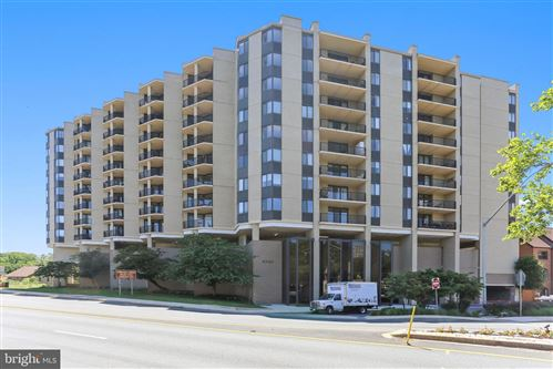 Photo of 4242 EAST WEST HWY #1017, CHEVY CHASE, MD 20815 (MLS # MDMC763184)