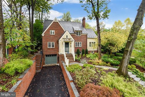 Photo of 3208 CIRCLE HILL RD, ALEXANDRIA, VA 22305 (MLS # VAAX251184)