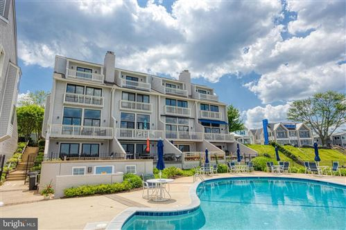 Photo of 8 HORN POINT CT, ANNAPOLIS, MD 21403 (MLS # MDAA471188)