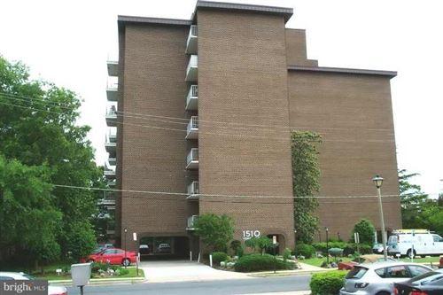 Photo of 1510 12TH ST N #402, ARLINGTON, VA 22209 (MLS # VAAR170188)