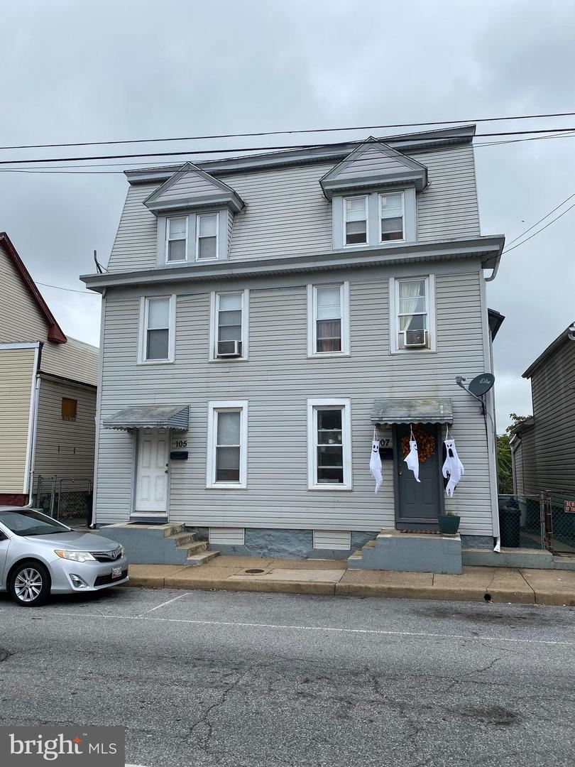 Photo of 105 HIGH, HAGERSTOWN, MD 21740 (MLS # MDWA2000189)