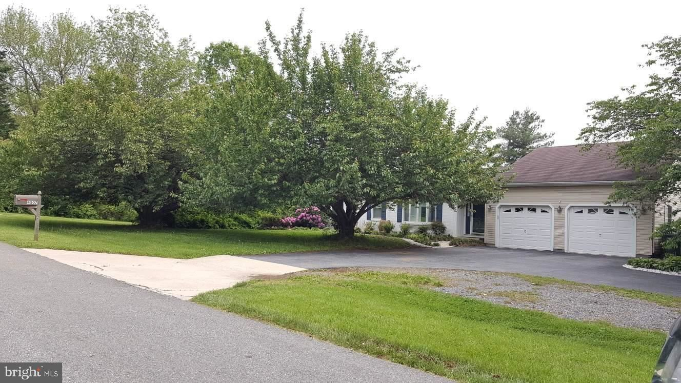 Photo of 4507 PINE VALLEY CT, MIDDLETOWN, MD 21769 (MLS # MDFR281194)