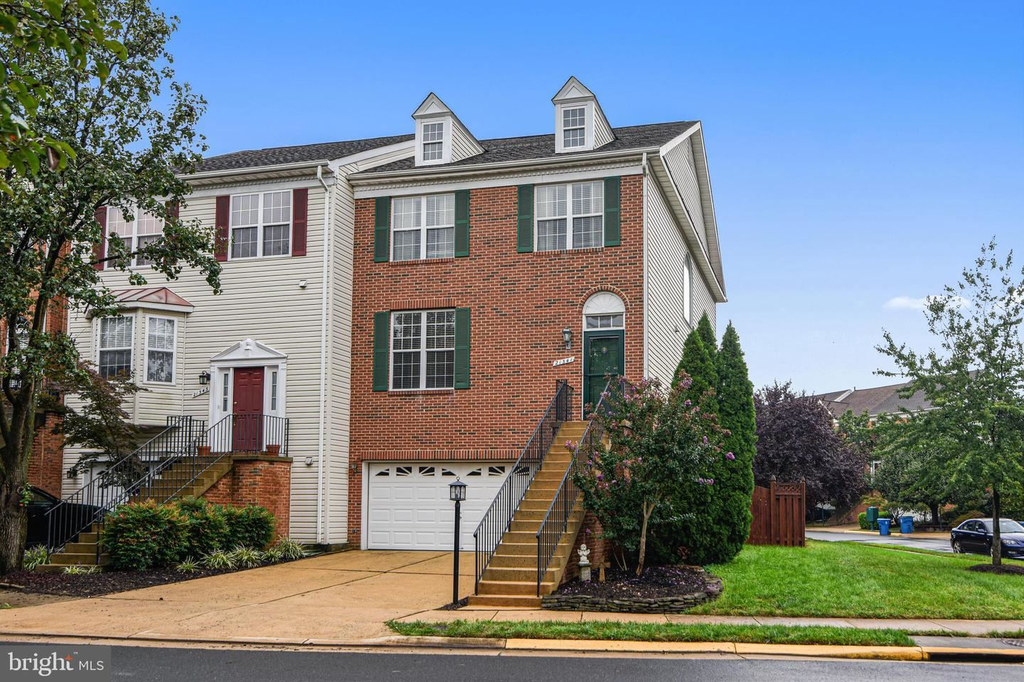 Photo of 21341 SAWYER SQ, ASHBURN, VA 20147 (MLS # VALO421196)