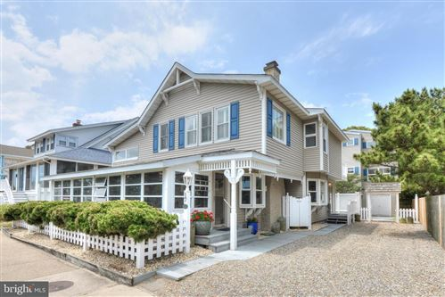 Photo of 17 LAKE AVE, REHOBOTH BEACH, DE 19971 (MLS # DESU163198)