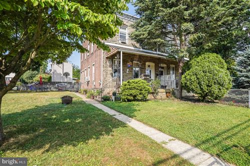 Photo of 404 N OAK AVE, CLIFTON HEIGHTS, PA 19018 (MLS # PADE2004202)