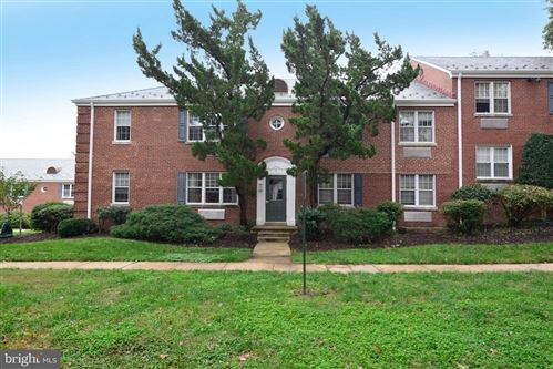 Photo of 3 AUBURN CT #B, ALEXANDRIA, VA 22305 (MLS # VAAX252204)